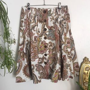 CAbi paisley knee-length skirt with button details